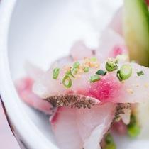 *【夕食一例】新鮮なお造りは風味や歯ごたえ抜群です
