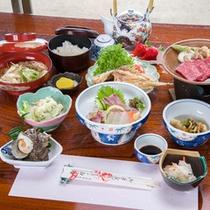 *【夕食一例】地元の海の幸・山の幸をふんだんに使ったお料理です