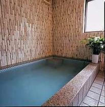体に良いラドン温泉にゆっくり浸かってリラックス!