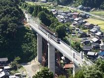 架け替えガ終り使用開始された余部の新しい橋です。周辺には橋が見下ろせる遊歩道も整備されています。