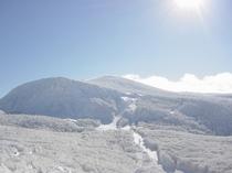 冬の蔵王山