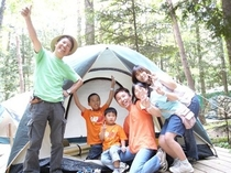森のキャンプ場ウッドデッキサイト