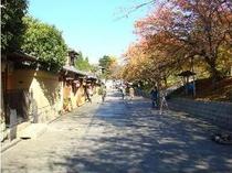 【ねねの道】当館より徒歩5分。朝のお散歩がてらの写真撮影がおすすめ♪