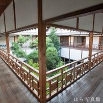 *館内一例/遊郭だったころの名残を感じる造りがとても印象的です。
