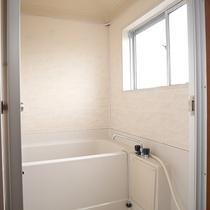 *3階和室12畳一例/お部屋にもバストイレが付いているので便利。