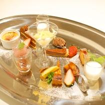 (ご夕食一例)デザート盛り合わせ★好きなものを少しずつお召し上がり下さい。