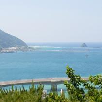 奄美大島の青い空と青い海が一望!