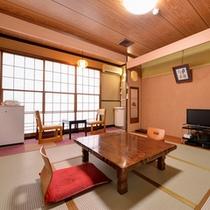 *和室8畳(客室一例)/純和風の素朴なお部屋。ご家族やグループでのご宿泊にオススメ◎