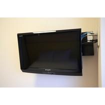 ロフトベッドのお部屋は壁掛けテレビになります。