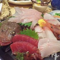 *【夕食例】新鮮な海の恵みをいただきます!