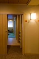 21年6月OPEN新館客室入り口