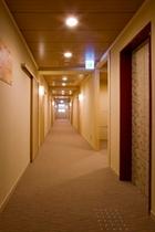 21年6月OPEN新館廊下