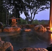 夜の海一望の露天風呂