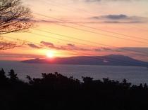 大島より日の出