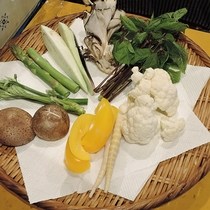 *【夕食一例】季節の野菜やきのこを天麩羅でお楽しみいただきます
