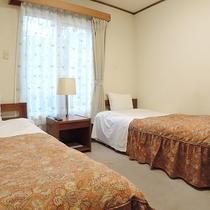 *【ツイン】床暖完備!シングルベッド2台の客室(一例)
