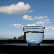 まずは自慢の伏流水の冷水を1杯いかがですか