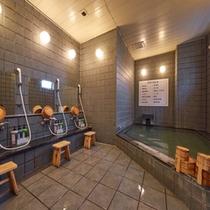 温泉:洗い場4つの小浴場です。