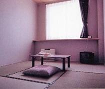 「お部屋」 シンプルで寛げる和室(インターネット可/個別空調)
