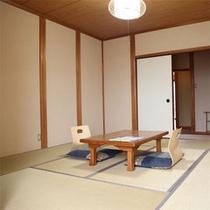 ・8畳(トイレ・洗面所付)