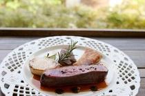 フランス、シャラン産 鴨肉のロースト