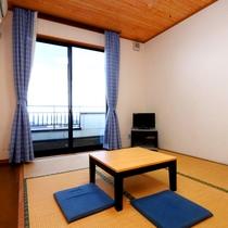 【本館和室6畳】1人・2人旅に最適な広さの和室です。 落ち着いた時間をお過ごしください。