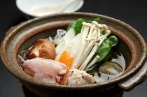 鍋物 / 寄せ鍋(かわはぎ、鶏つみれ、あさり、白菜、白葱、えのき茸、椎茸、葛きり)