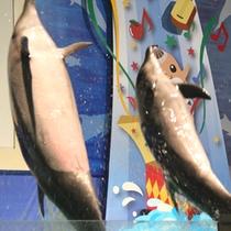 *浅虫水族館/大人気のイルカショー!ダイナミックなジャンプやかわいらしいしぐさで観客を虜に。