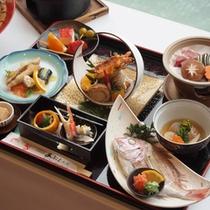 *【ご夕食イメージ】瀬戸内海の獲れたて海の幸を使った生簀料理です