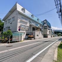 *湯沢ICから車で6分とアクセス抜群で湯沢・苗場観光の拠点に◎ペットの同室宿泊もOK!