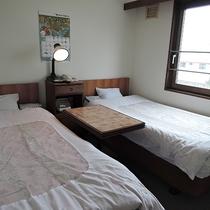 *ツインルーム一例/ビジネスだけでなく観光にも。洗い立てのシーツで気持ちよくおやすみください。