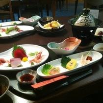【ご夕食】:ボリューム満点♪3