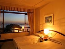 三河湾を眺めるツインルーム