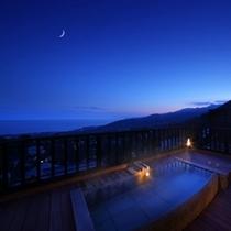 【露天風呂:花タイプ】夜景の様子