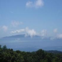 【2011初夏お宿うち山から見える伊豆大島】2011.7.11撮影