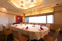 チャイナテーブル 個室