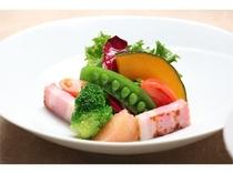 【夕食】季節のサラダ