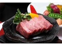 【夕食】お肉も楽しみの一つ