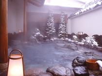 冬ならではの雪見風呂
