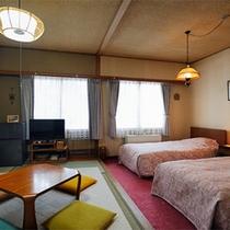 *和洋室一例/当館基本のお部屋タイプ。6畳和室にツインが付いたゆとりの広さ。