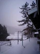 民宿ゆりかの外観(冬)