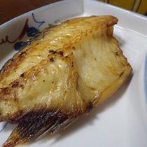 *夕食一例/獲れたてのお魚を焼き魚で!