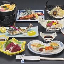 *お料理一例 下部ならではの四季折々の新鮮な旬の味をお楽しみください。