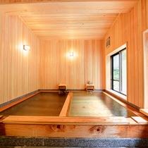 *檜風呂 2016年リニューアル!かけ流しの温泉を景観と共にお楽しみください♪