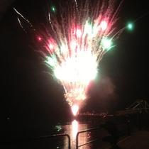 *夏の花火大会/毎年9月に開催される花火大会♪約30分の花火ショーを海岸からお楽しみ下さい!