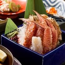 新鮮な身の旨味、濃厚なカニみそを楽しめる『活毛蟹コース』 (※写真は一例です)