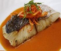 白身魚のアメリカンソース