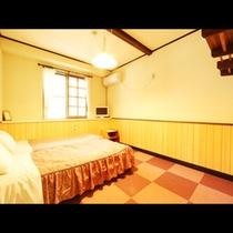【部屋】シンプルなツインルーム。
