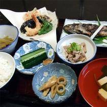 *夕食(一例)青竹など野菜はすべて自家農園で作っています。