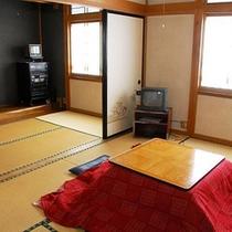 *【床の間付き】和室12畳(一例)冬はこたつが登場します。